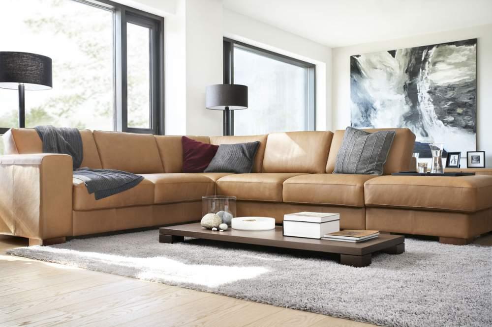 Большой модульный диван с глубокими сиденьями