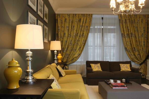 Дизайн интерьера серой гостиной