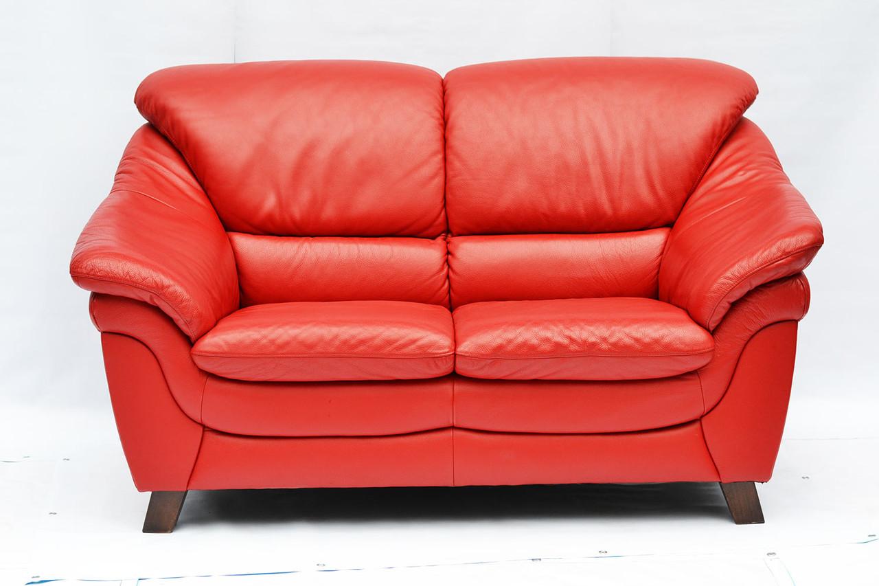 Красный кожаный диван двойка