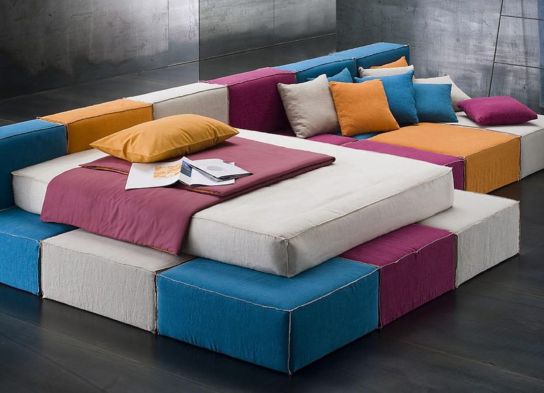 Модульный диван с матрасом для спального места