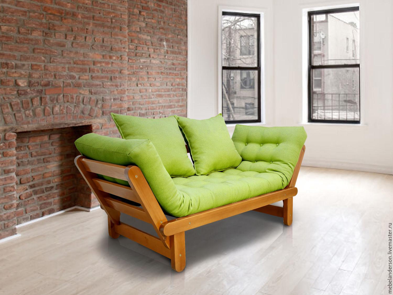 Мягкие подушки на деревянном каркасе