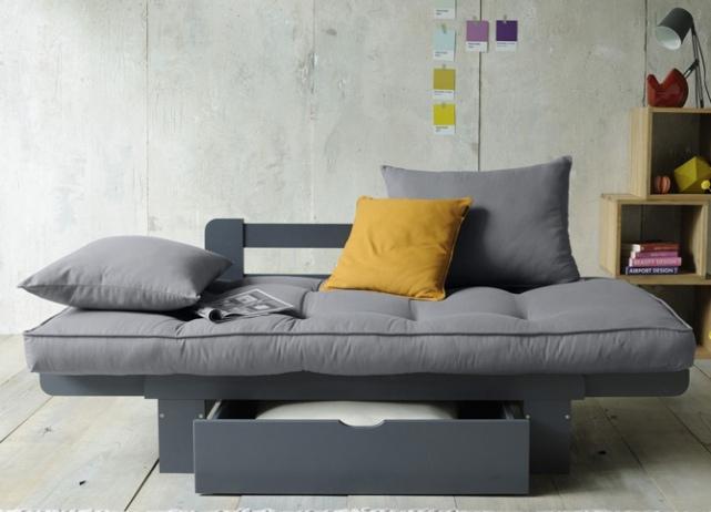 Сервый раскладной диван