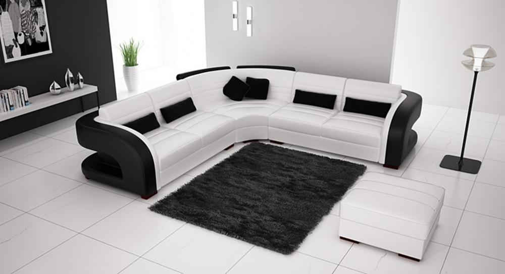 Белый диван с черными вставками