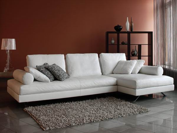 Белый угловой диван