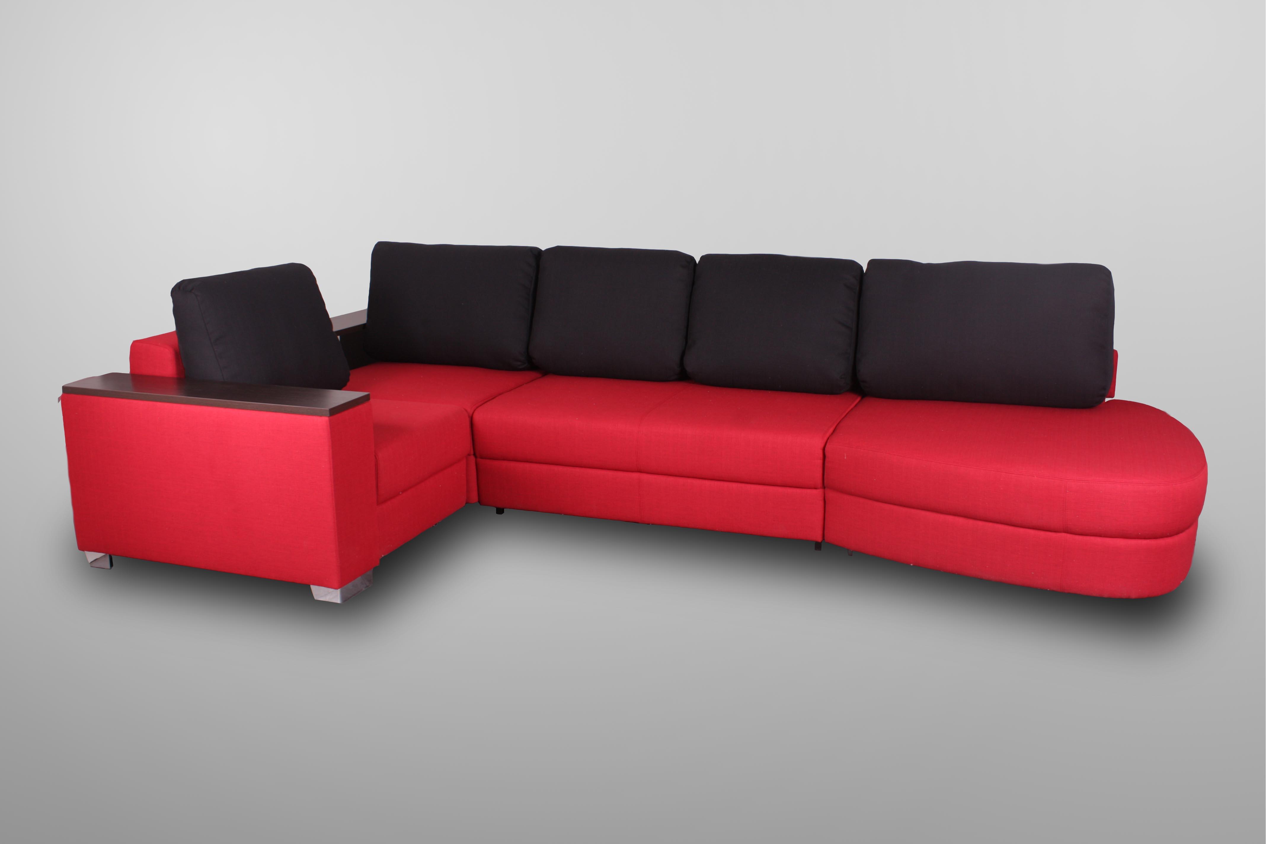 Черно-красный модульный диван