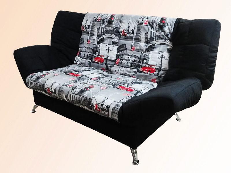 Черный диван с рисунком