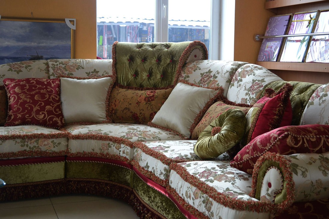 Декоративные подушки помогут расставить акценты, сделают оформление комфортным и завершенным