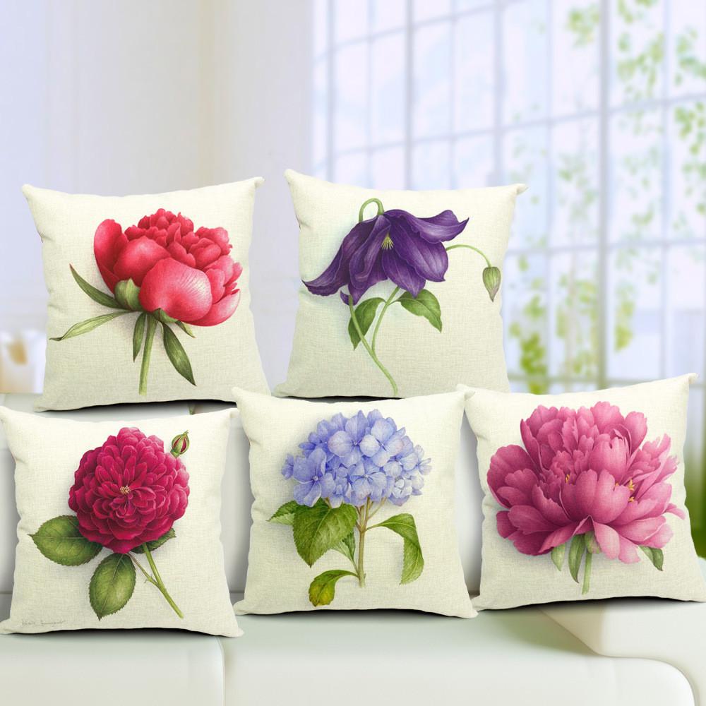 Подушки с цветами на диван