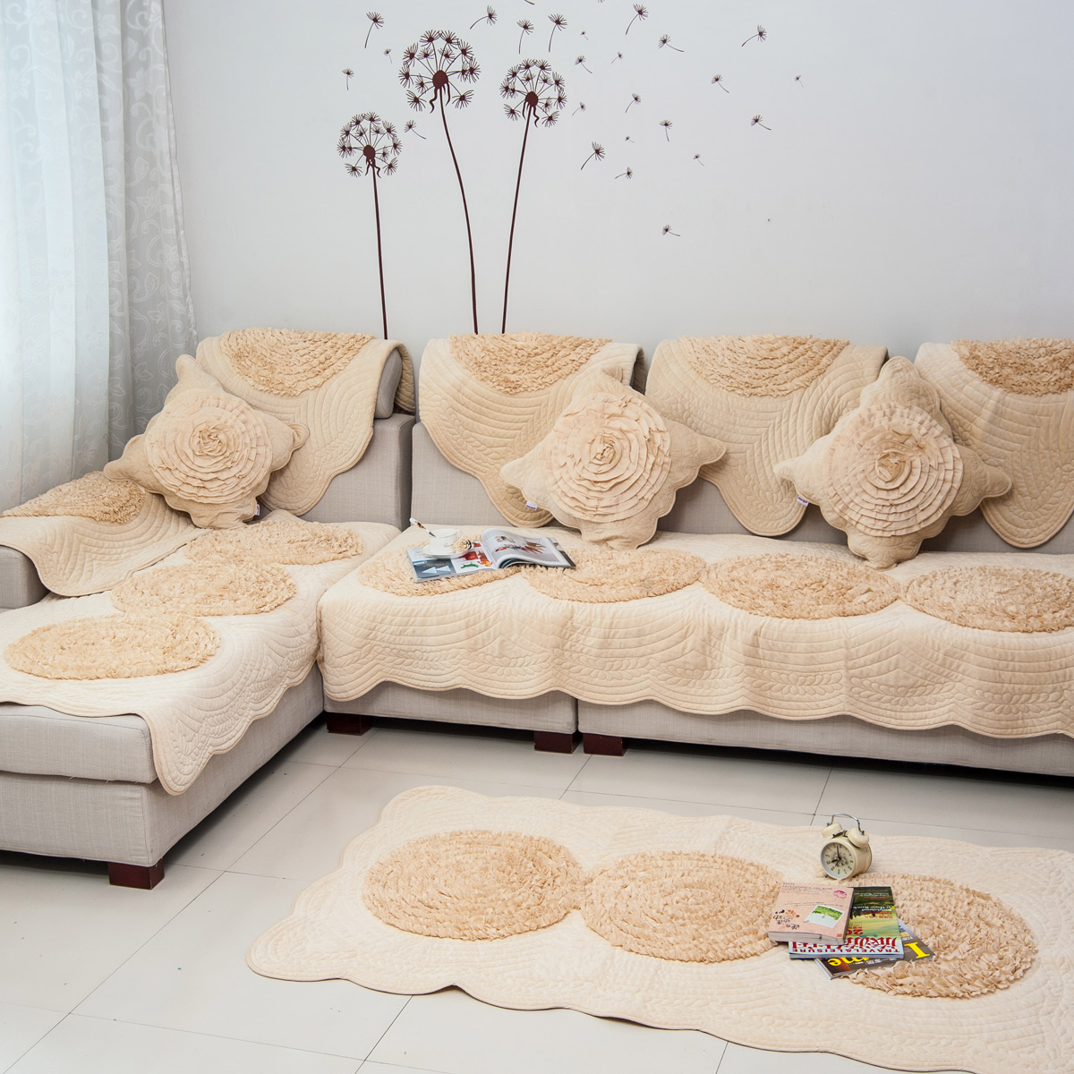 Как оформить диван