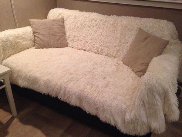 Меховое покрывало на диван