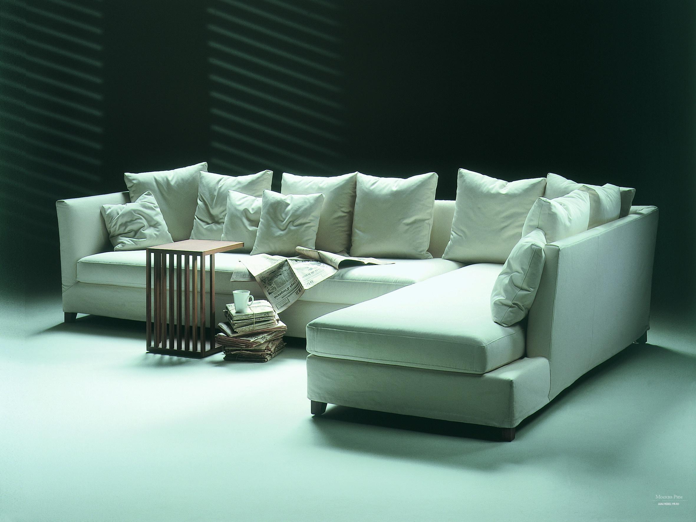 Модульный диван светлый