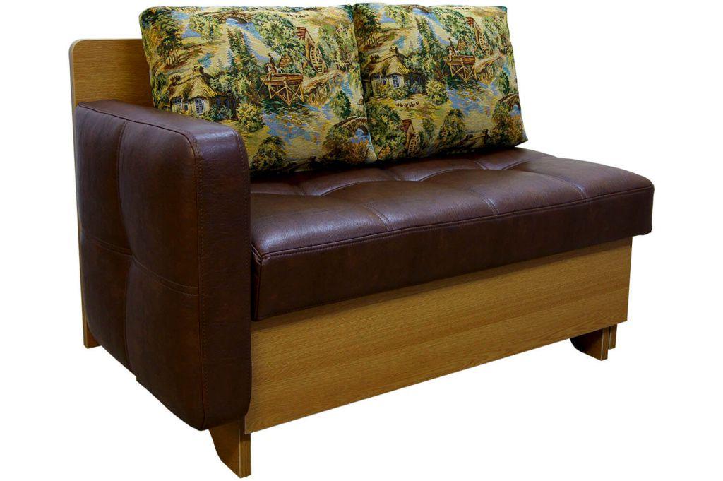 Небольшой диванчик со спальным местом