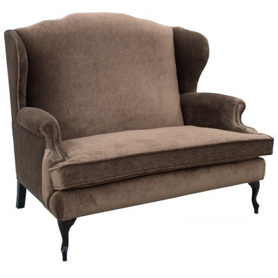Небольшой серый диван