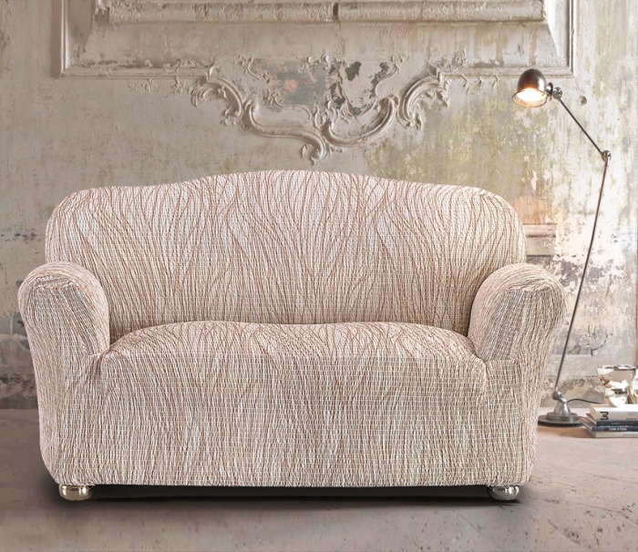 Оформление двухместного дивана