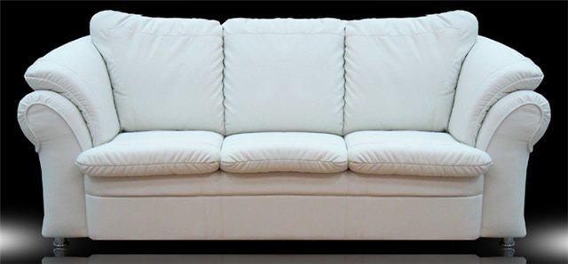Прямой диван из кожзама