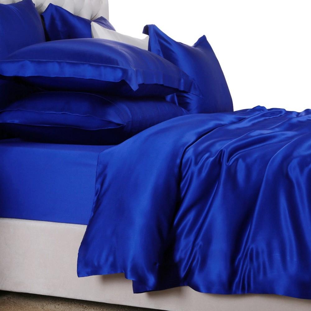 Шелковое синее белье