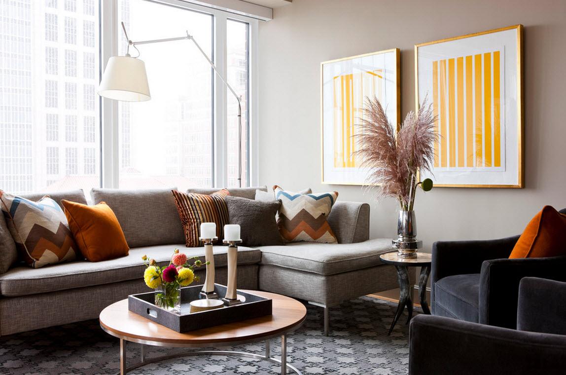 Светлый угловой диван