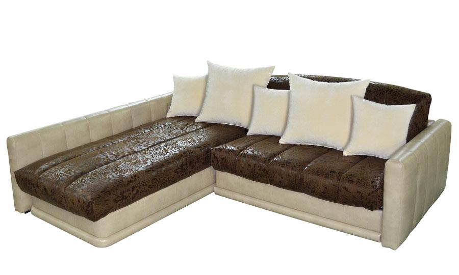 Угловой диван с подушками