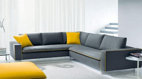 Большой угловой серый диван