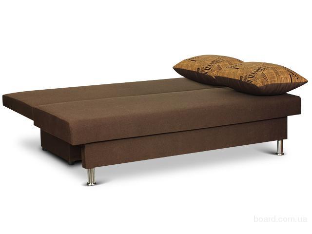 Диван, оформленный в коричневом цвете