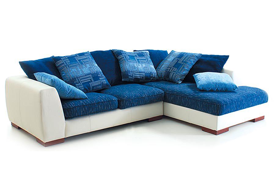 Диван синего цвета для дома