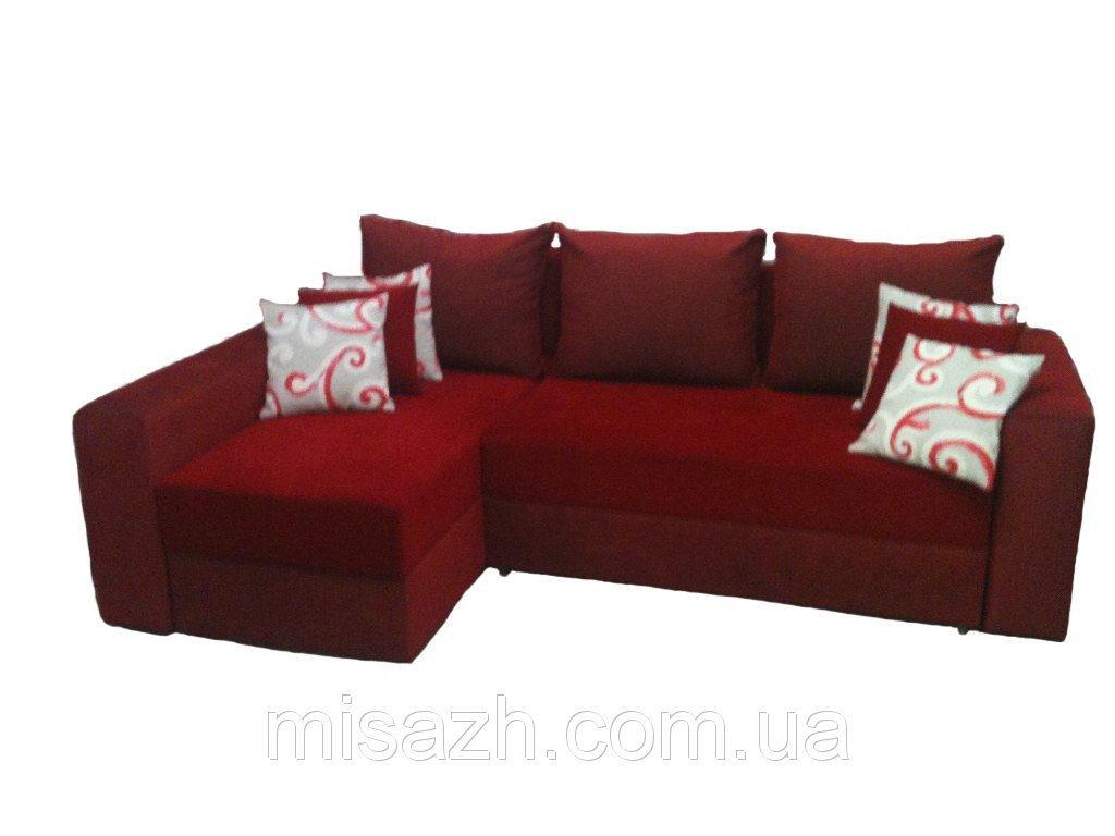 Диван уголового типа красного цвета
