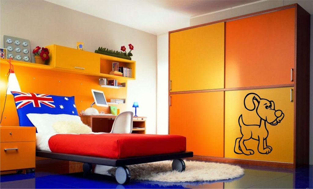 Как правильно использовать оранжевую кровать в интерьере