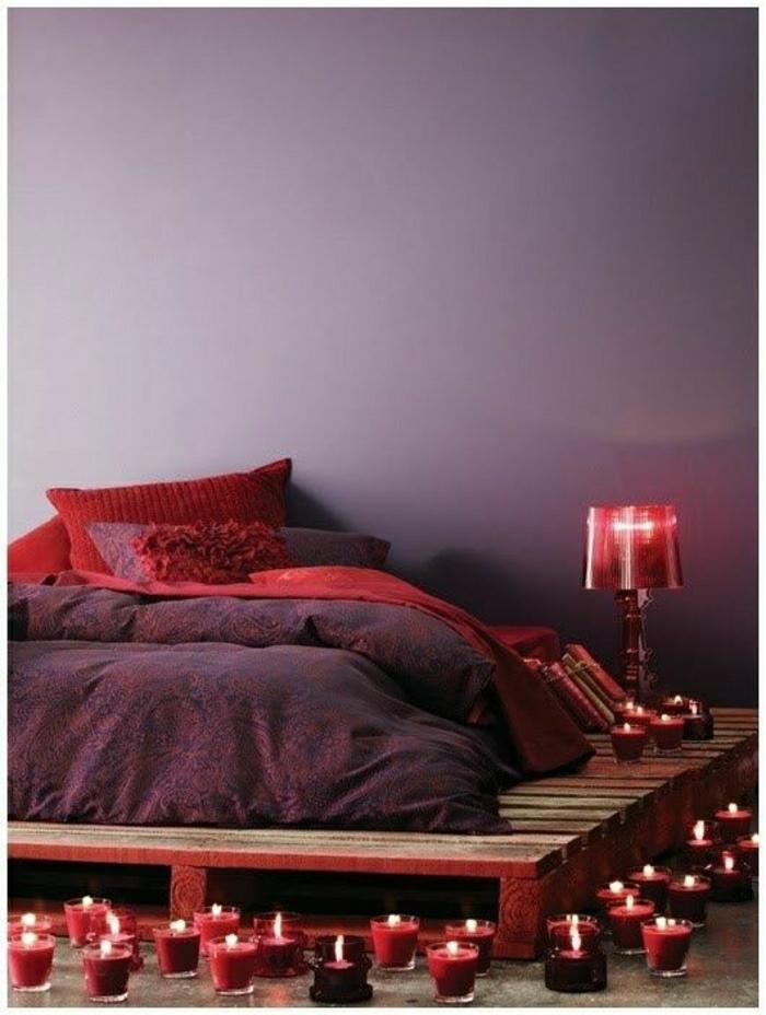 Как правильно разместить кровать красного цвета
