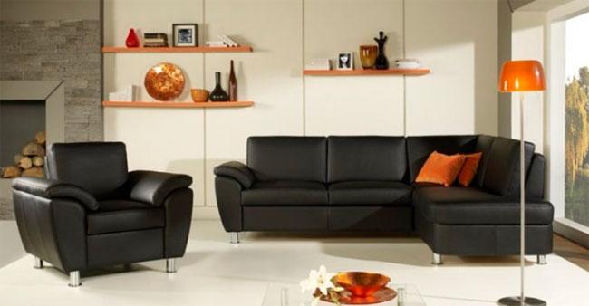 Как смотрятся черные диваны в интерьере