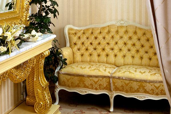 Как выбрать диван желтого цвета