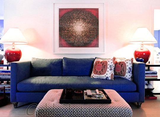 Как выглядит интерьер с синим диваном