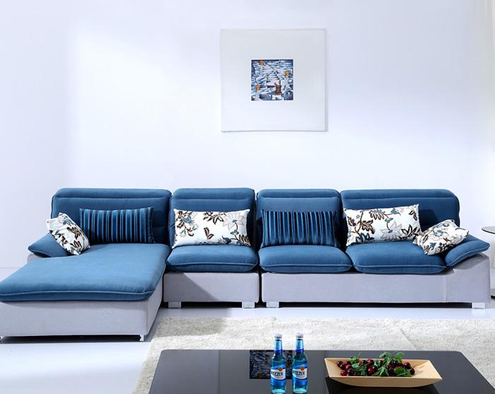 Как выглядит современный диван синего цвета