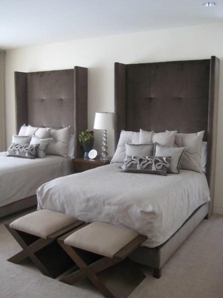 Классический диван современной кровати коричневого цвета