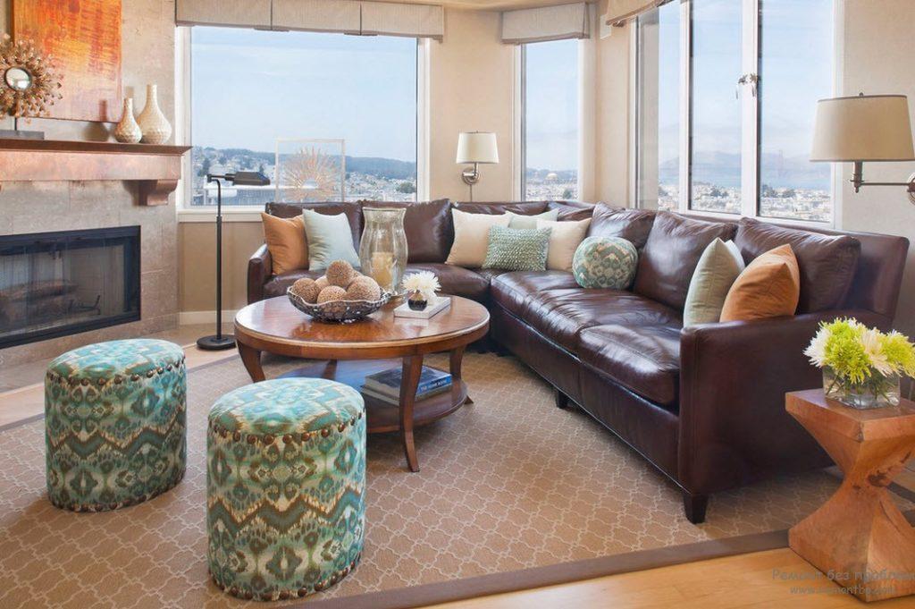 Классический кожаный коричневый диван
