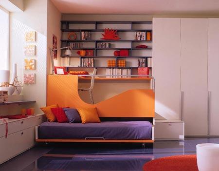 Кровать оранжевого цвета