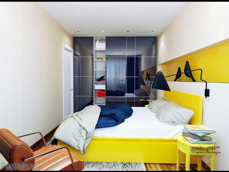 Кровать, выполенная в желтом цвете