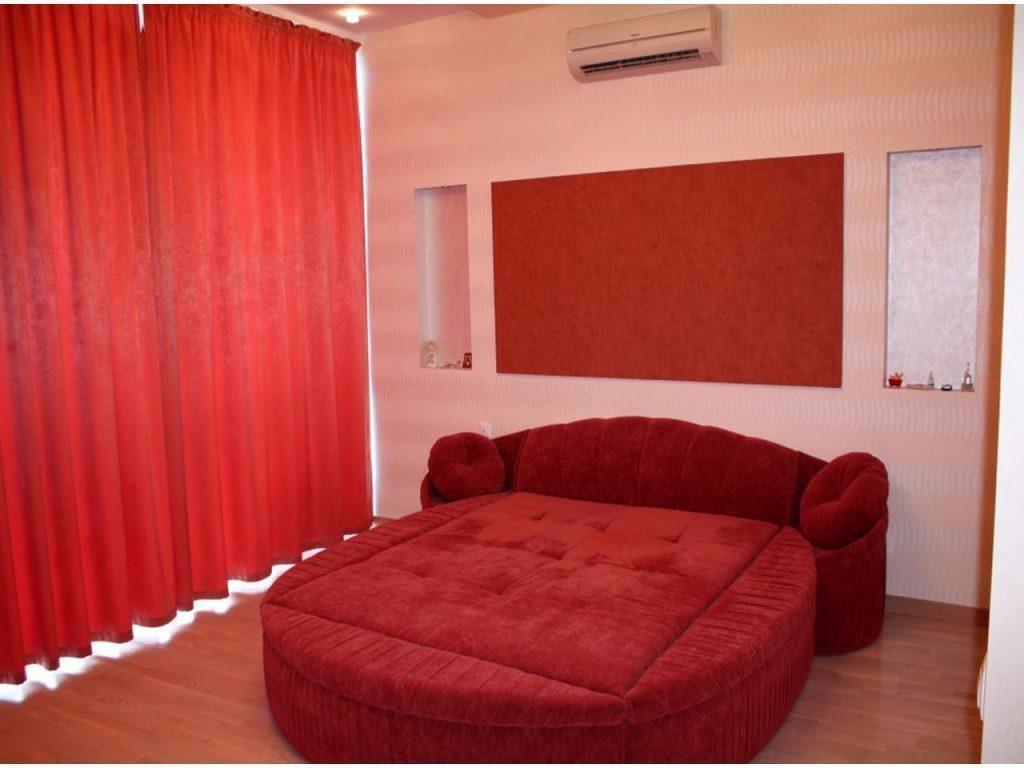 Круглая функциональная кровать для дома