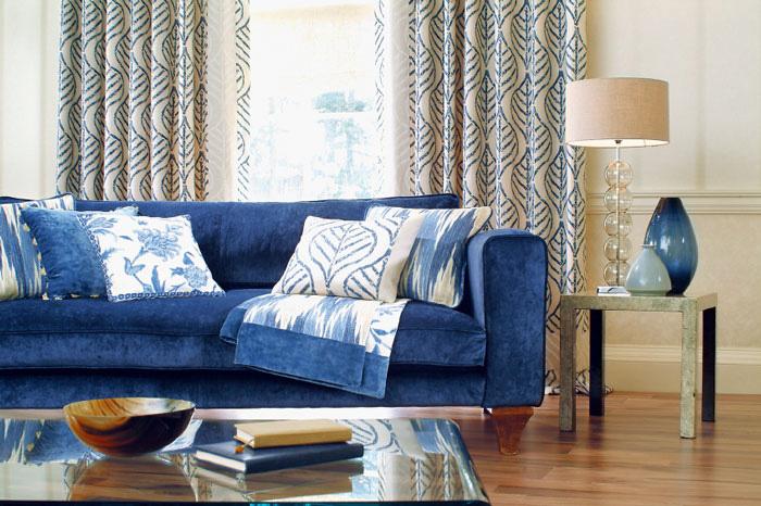 Модель красивого синего дивана