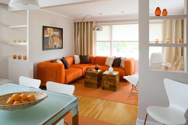 Оранжевый угловой диван для современного интерьера