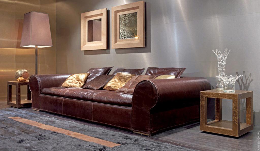 Оригинальный дизайн дивана в бордовом цвете