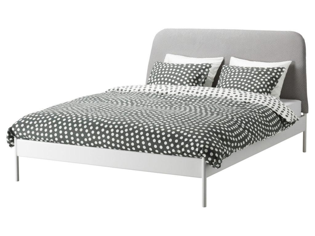 Практичная высокая кровать серого цвета