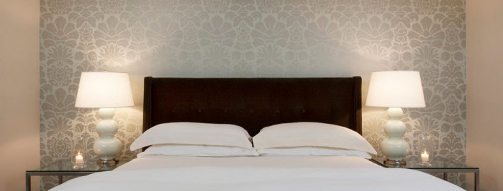 Правила подбора оттенка коричневой кровати