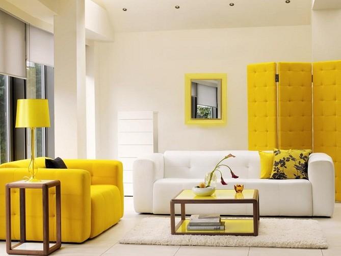 Применение дивана в желтом цвете
