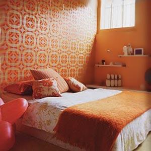 Пример привлекательной кровати для обустройства спальни