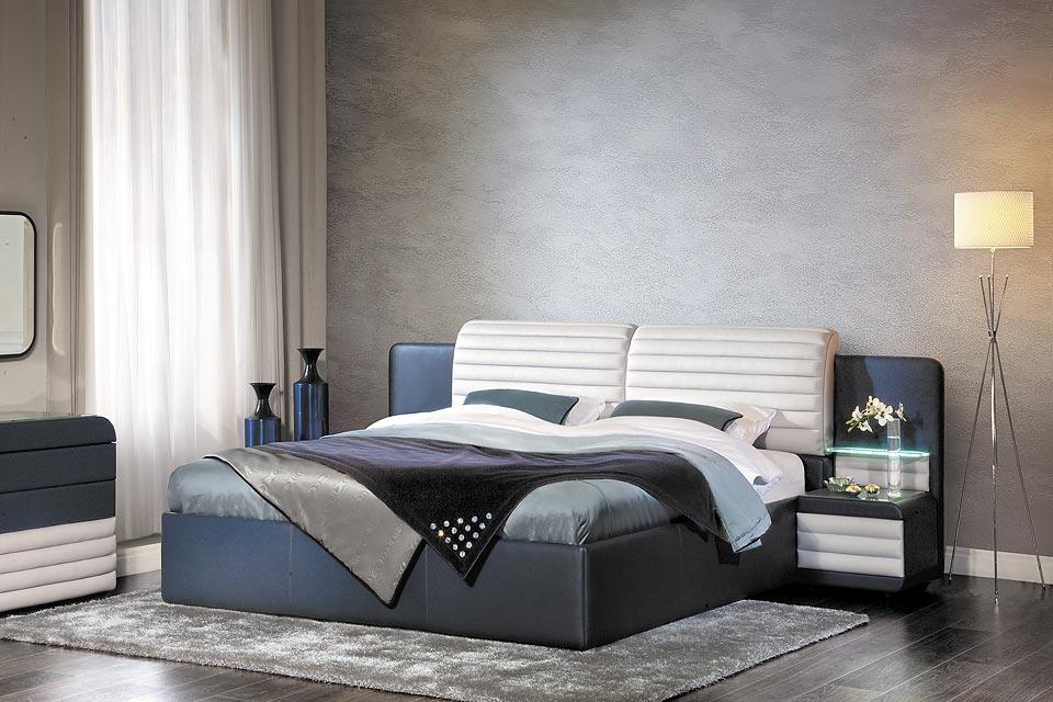 Пример современной кровати синего цвета