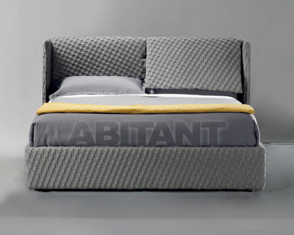 Привлекательная серая кровать для дома