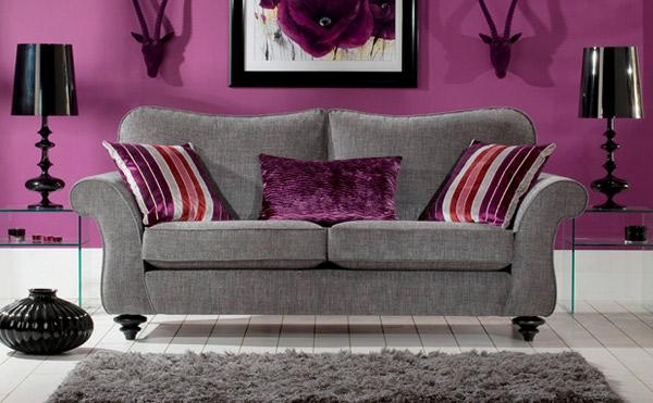 Приятный дизайн серого дивана