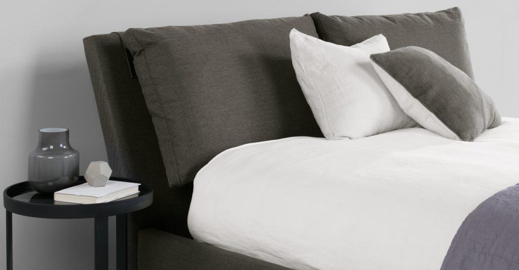 Раскладная серая кровать