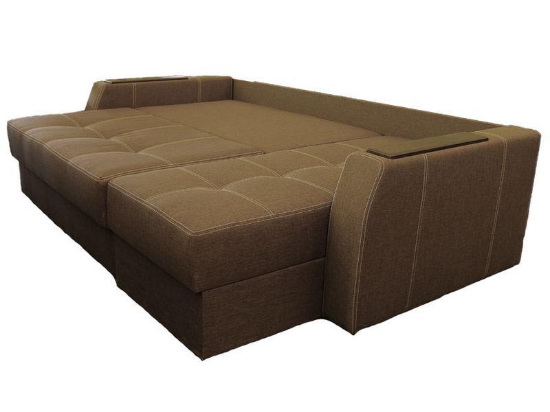 Раскладной практичный коричневый диван