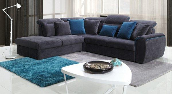 Серо-белый диван для дома
